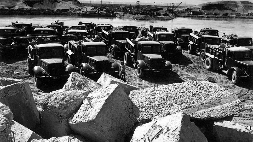 В зависимости от характера работы в одних автопредприятиях преувеличивали пробег, в других — вес перевезенных грузов