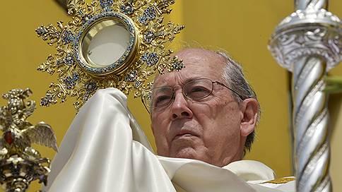 Кардинал попался на списывании