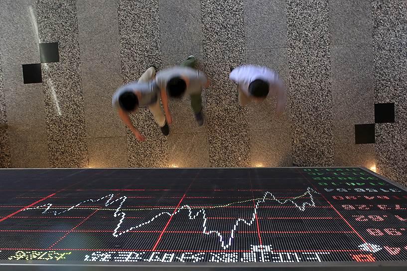 Осенние события на шанхайской фондовой бирже стали одним из эпизодов смены механизмов перераспределения мировых финансовых потоков