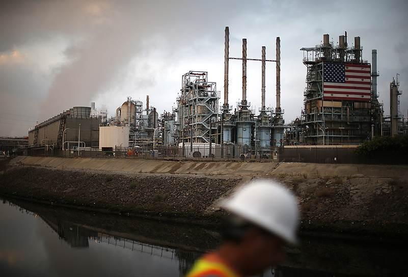 """США возвращают в страну обрабатывающую промышленность, стремясь выйти из роли зависимого от поставщиков """"мирового супермаркета"""""""