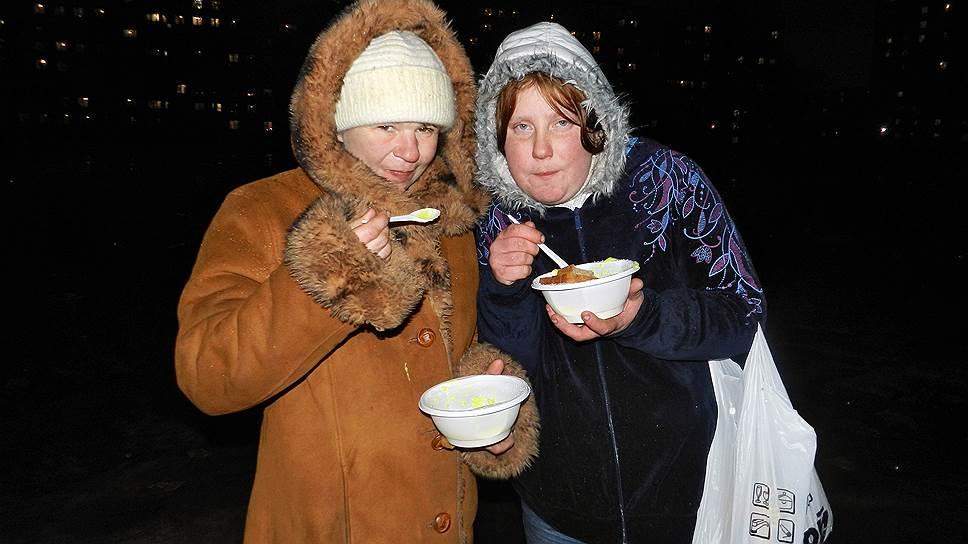 В год на улицах Петербурга погибает от 1 тыс. до 4 тыс. бездомных — многие не выдерживают первой холодной зимы