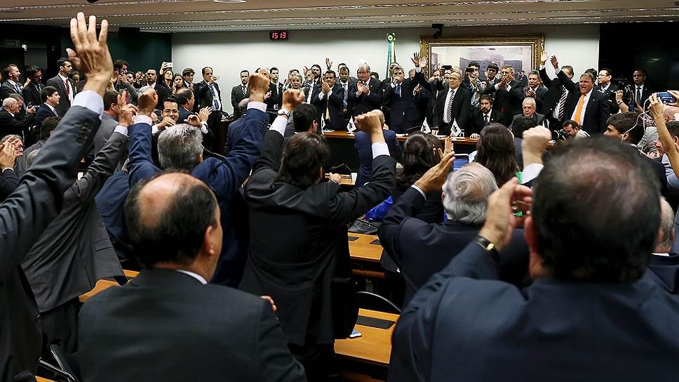 Партия бразильского демократического движения решила, что ей не по пути с Партией трудящихся президента страны Дилмы Руссефф