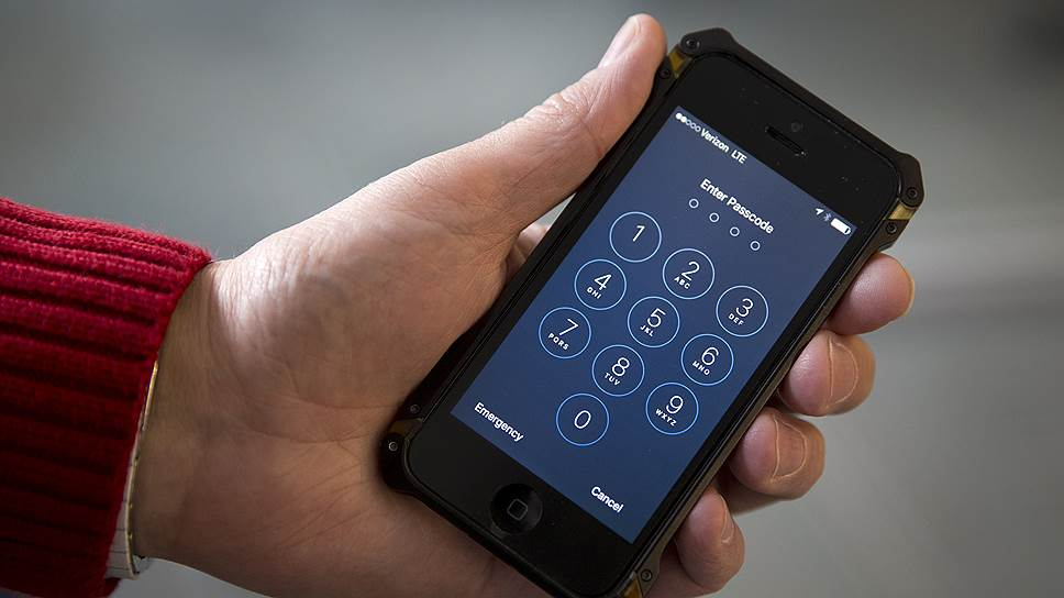 ФБР успешно провело спецоперацию по проникновению в телефон