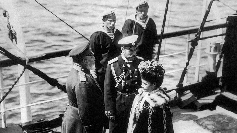 Хотя имя императрицы Марии Федоровны прямо не называлось в скандальных публикациях, Николай II не простил этого обидчикам матери