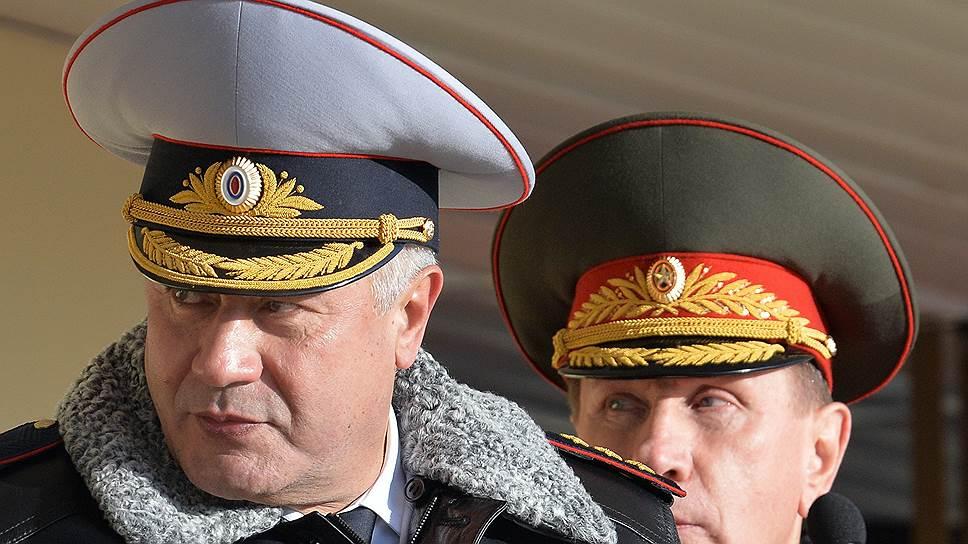 Всего через три года работы под началом Владимира Колокольцева (слева) Виктор Золотов получил в распоряжение собственное ведомство