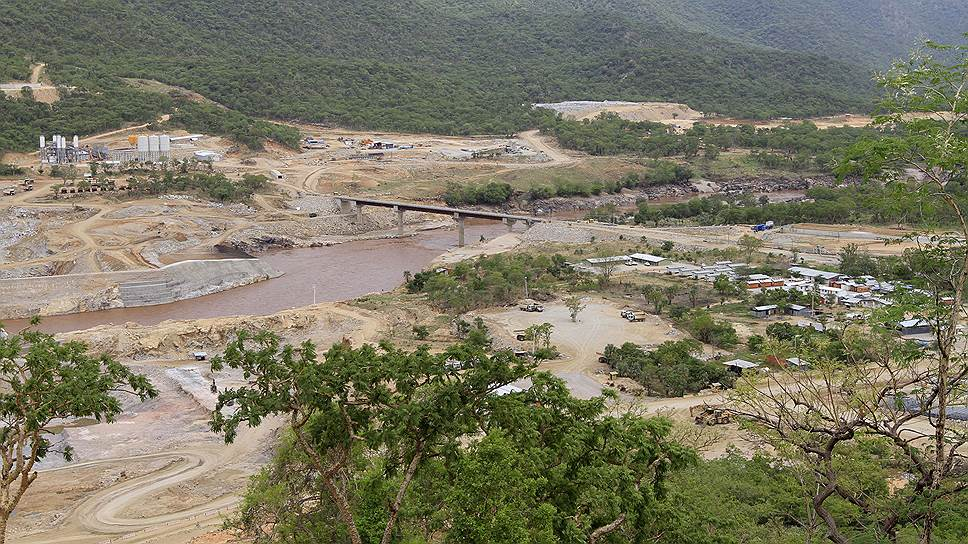 После окончания строительства (на фото) Великая эфиопская плотина возрождения должна не только приносить в казну $1 млрд ежегодно, но и стать символом новой Эфиопии