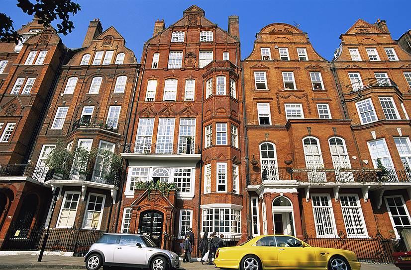 Brexit может помешать богатым русским управлять своими деньгами в лондонском Сити и продолжать покупать недвижимость в престижном районе Belgravia (на фото)