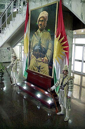 Мустафу Барзани почитают как лидера одного из старейших и наиболее влиятельных политических объединений курдов — Демократической партии Курдистана
