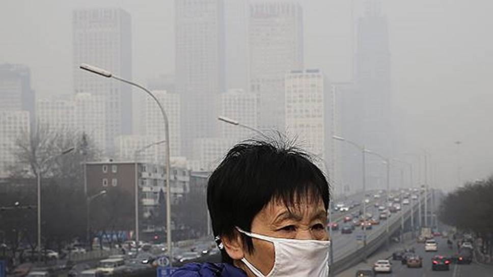 Китай — крупнейший в мире эмиттер парниковых газов — вышел на первое место в мире по объему установленной мощности ветроэлектростанций и солнечных электростанций