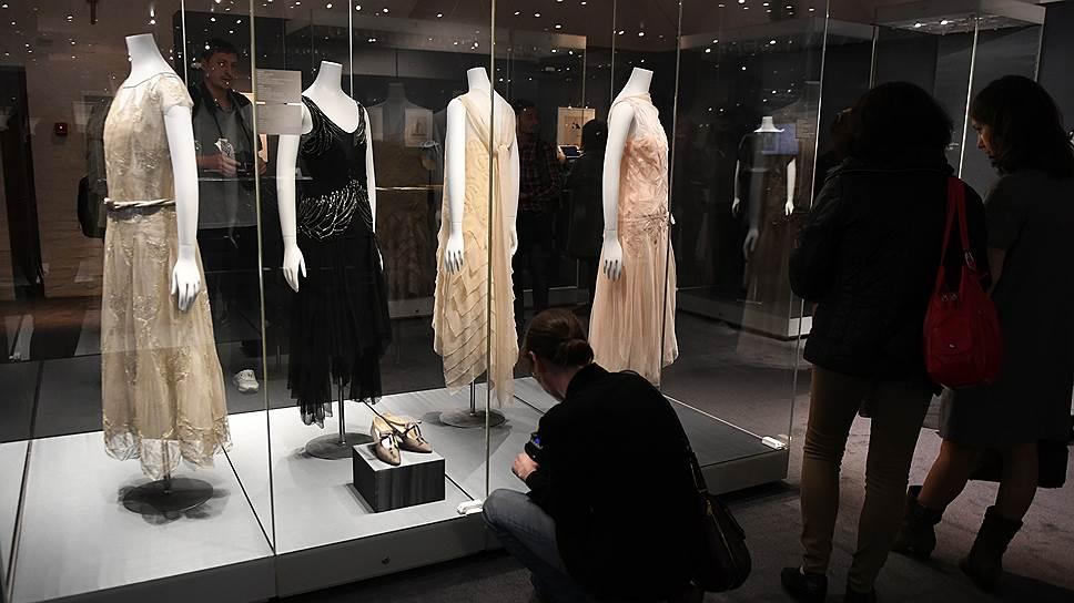 Одежда, представленная на выставке в музеях Кремля, напомнила посетителям времена, когда женщина впервые почувствовала себя более свободной