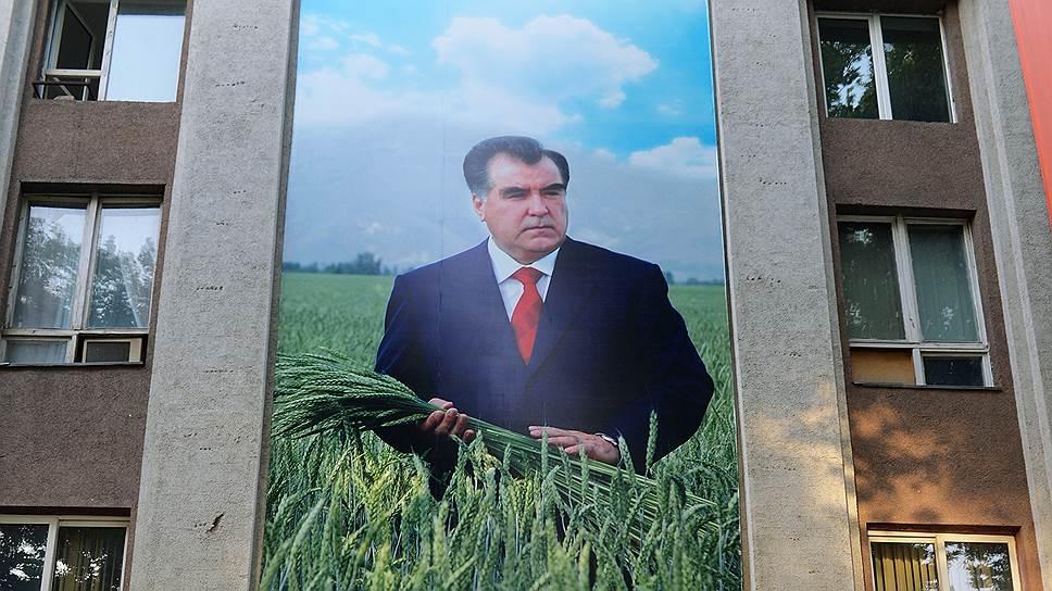Как в Душанбе уживаются с советским наследием