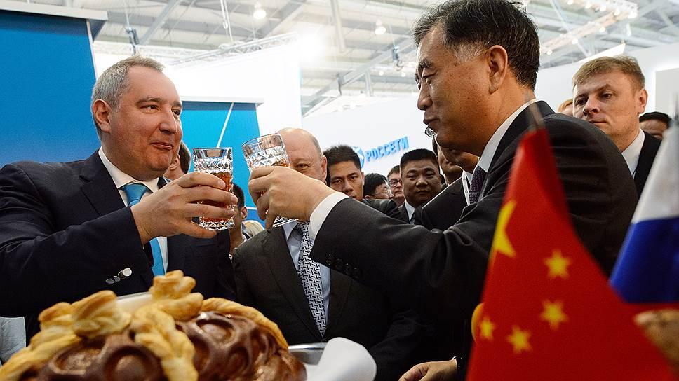 Сотрудничество в космической отрасли между Россией и Китаем в последние годы обсуждают вице-премьеры двух стран Дмитрий Рогозин и Ван Ян