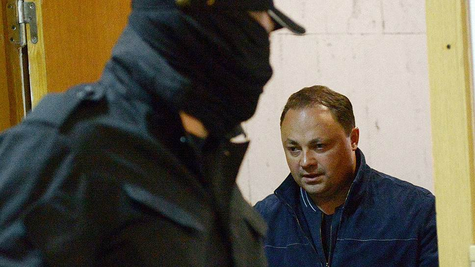 Чем могут завершиться уголовные дела против мэра Владивостока и экс-губернатора Сахалинской области