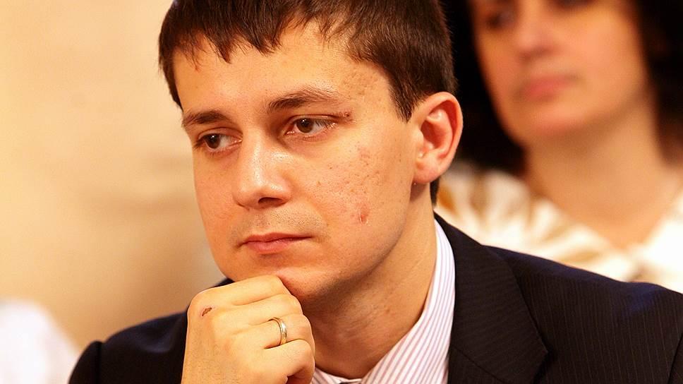 Ярким депутатом Мищенко не стал. Коллеги помнят его плохо. Согласно сайту Госдумы, за четыре года он говорил в микрофон всего 15 раз