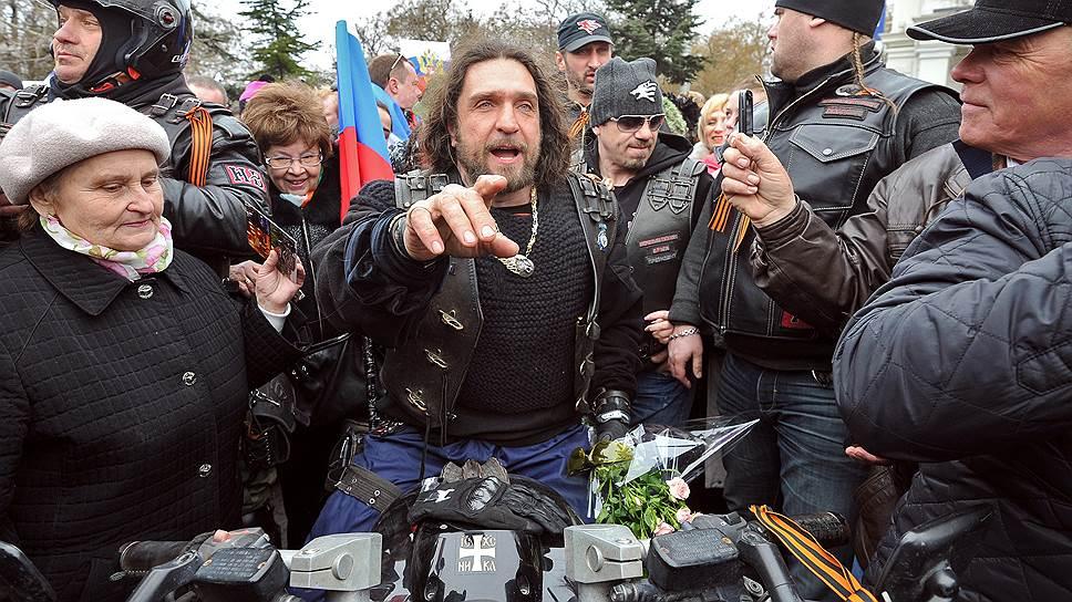 Лидер клуба «Ночные волки» Александр Залдостанов
