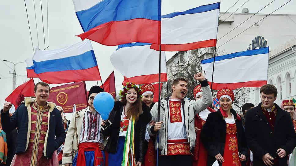 За последние три года у жителей Крыма стало больше оптимизма: сегодня «полностью довольны» своей жизнью 40% опрошенного населения полуострова