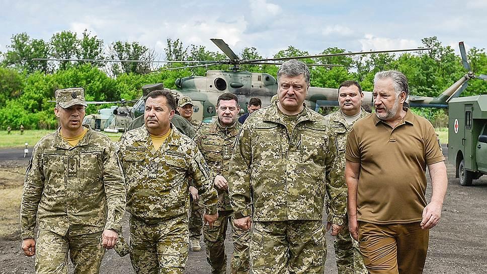 На фронте без перемен / Кто и какими средствами продолжает вести боевые действия на востоке Украины