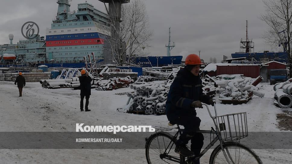 «Арктика» охромела на правый двигатель