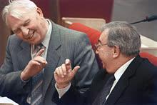 Егор Лигачев и Евгений Примаков вновь встретились в зале пленарных заседаний Госдумы. До того они могли пересекаться на пленумах ЦК КПСС