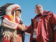 В ходе поездки на Олимпиаду в Солт-Лейк-Сити Николай Харитонов не только поддерживал российских спортсменов, но и знакомился с жизнью коренной Америки