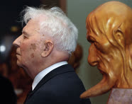 Депутат Государственной думы от фракции КПРФ Егор Лигачев на выставке скульптора Усова