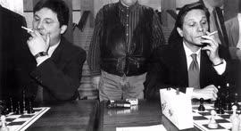 Сергей Иваненко (слева) и Александр Жуков (справа) были обязательными участниками думского шахматного турнира