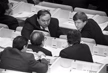 Егор Гайдар, Анатолий Чубайс и Сергей Ковалев долгое время определяли стратегию фракции «Выбор России»
