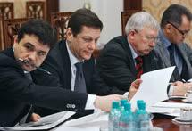 Андрею Воробьеву (крайний слева) предстоит заменить Сергея Шойгу (крайний справа) на посту главы Московской области. Александру Жукову (второй слева) — Олега Морозова (второй справа) на посту первого вице-спикера