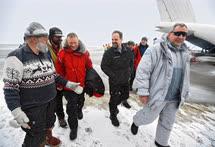 Часто депутаты и министры осуществляли дальние путешествия, например на Северный полюс. Первым всегда был думский ветеран Артур Чилингаров