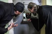 Октябрь. Москва. Священнослужители во время посещения заключенных в СИЗО №2