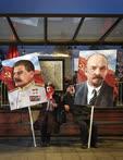 Ноябрь. Москва. Участники праздничного митинга, посвященного 100-летию Октябрьской революции