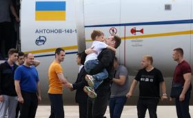 Greeting of Ukrainian prisoners released by Russia as part of the exchange at Boryspil airport.