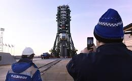First launch of 34 OneWeb satellites from the Baikonur Cosmodrome.