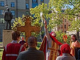 Mass and sacred procession on the area of Pokrovsky Hospital.