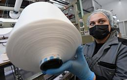 Production of medical masks and respirators in the Technopolis Moscow.