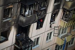 Gas explosion in an apartment building on Prohodchikov Street followed by a fire.