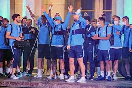 Meeting of Zenit players at the Pulkovo Airport.