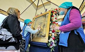 Festive Bells Festival of Orthodox Culture dedicated to the celebration of the appearance of the Miracle-working Tikhvin Icon of the Mother of God and City Day. Divine Liturgy in the Tikhvin Monastery of the Dormition of the Mother of God.