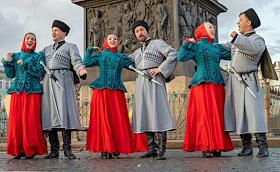 Performance by the Cossack ensemble at the Palace Square.