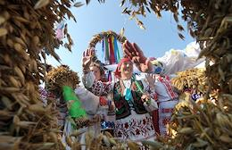 The traditional festival of Dozhinki village workers, where the regional governor and other officials of the republic congratulated the winners of the 2020 harvest in the Brest Region with diplomas and cash prizes.