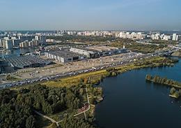 Genre photography. The area of the embankment of the right bank of the Moscow River in the Strogino district.