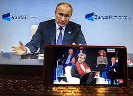Genre photography. Russian President Vladimir Putin spoke at a meeting of the Valdai Discussion Club via videoconference.