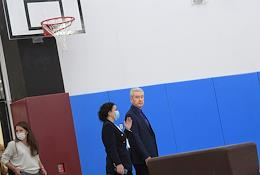 Moscow Mayor Sergei Sobyanin examining the results of the construction of a school for 1900 places.