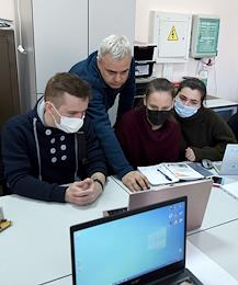 Students of the Vernadsky Crimean Federal University (CFU) returned to full-time education. CFU students returned to full-time training after restrictions due to COVID-19 had been mitigated.