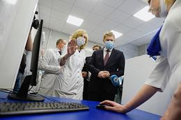 Minister of Health of the Russian Federation Mikhail Murashko during a visit to the Tsivyan NIITO and the Hospital of War Veterans No. 3 in Novosibirsk.