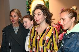 Presentation of Alexandra Vertinskaya's limited edition graphics album 'Le Jardin' in the Triumph gallery.