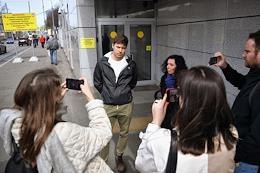 Interrogation of the editor-in-chief of the Vostochnye Stories project, Roman Anin, who is in the status of a witness in the case under Part 2 of Article 137 of the Criminal Code of the Russian Federation (violation of privacy committed by a person using his official position), at the Investigative Committee (IC) of Russia.