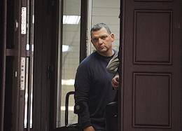 Applying a measure of confession against the former owner of the Menshevik confectionery factory Ilya Averyanov in the Presnensky court.