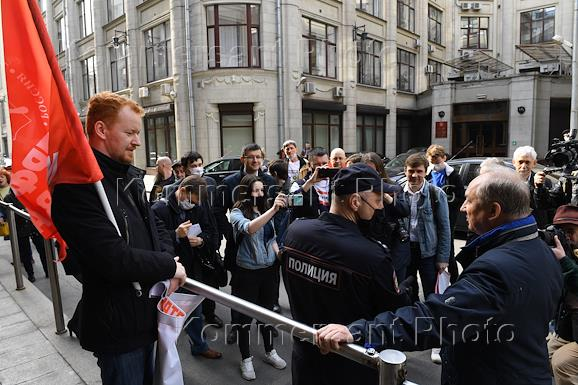 Action for fair elections, organized by the Moscow branch of the Communist Party. Submission of an appeal to the Presidential Administration of Russia on the issue of preventing members of territorial election commissions  with a decisive vote from the Communist Party of the Russian Federation for the elections of deputies to the State Duma of Russia, which will be held in September 2021.