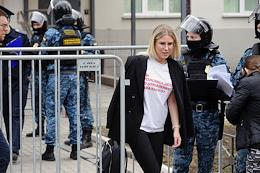 Announcement of the verdict against Lyubov Sobol, a lawyer of the Anti-Corruption Foundation, accused of illegally entering the apartment of the mother-in-law of FSB officer Konstantin Kudryavtsev, at the Perovskiy District Court. The situation at the court.